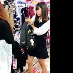 【盗撮動画】放課後のお買い物に熱中してる女子校生は靴カメ撮り師のターゲットになりやすい件♪