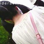 【盗撮動画】私服JCから行列に割り込まれて怒りのスカメク撮りでパンチラ成敗してる撮り師♪