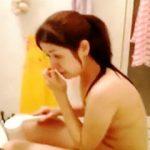 【盗撮動画】近所の気になるOLさんのお風呂タイムを覗いてたら鼻ホジ見せられて幻滅した夜♪