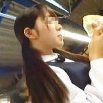 【盗撮動画】お嬢様学校に電車で通う制服女子校生が痴漢魔に敏感なクリトリスを刺激されて悶絶♪