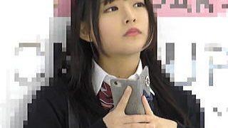 【盗撮】パイパンにしてるだけあって痴漢を受け入れてる会えるアイドルクラスの女子校生♪