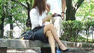 【盗撮動画】変態に付きまとわれてザーメンぶっ掛けマーキングされてるエロい美脚のお姉さんたち♪