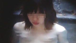 【盗撮動画】露天風呂に不慣れなちっぱい少女が赤面入浴を隠し撮られてオカズにされてた♪