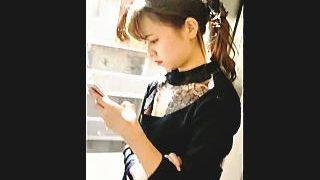 【盗撮動画】スゲー綺麗な女の子に見惚れてたら特殊なファッションのせいか乳首丸見えっす♪