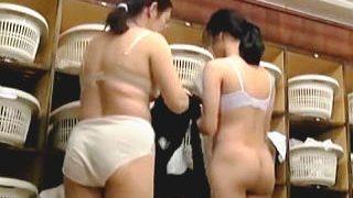 【盗撮動画】多くの女性客で賑わってるスーパー銭湯の脱衣所には必ず隠しカメラがある件♪