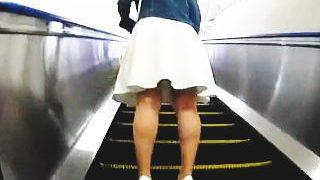 【盗撮動画】スカート女子たちの素顔を確認してからスカメクで眺める美味しいパンチラ絶景♪