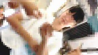 【盗撮動画】直視できないほど眩し過ぎる純白パンチラとブラ紐もセットで拝める夏服女子校生♪