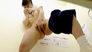 【盗撮動画】トイレに駆け込んで激淫オナニーしてる女子校生たちの果てしなく深い性欲の実態♪