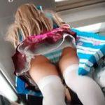 【盗撮動画】普段は普通の女の子のレイヤーちゃんもコミケの日はパンチラ大放出♪