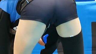 【盗撮動画】魔法のレンズでPラインどころかマンスジまで丸裸にされたバレーボール控え選手♪