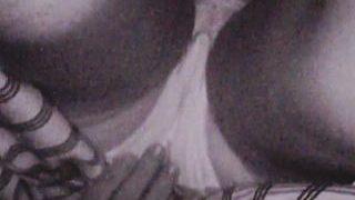 【盗撮動画】これはリアルな痴漢風景!通勤電車で集団痴漢に前後から陰部に侵入された女子♪