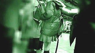 【盗撮動画】痴漢のターゲットレーダーに不幸にも引っ掛かった女子たちのお触りぶっ掛け地獄♪