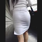 【盗撮動画】Tバックが丸わかりなピチピチスカートで街中を闊歩する視姦目的のお姉さん♪