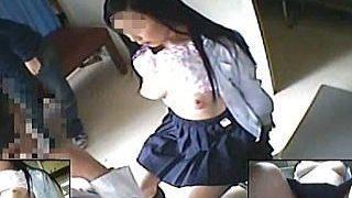 【盗撮動画】校内健康診断で美乳を隠し撮りされた普段は隠れて¥交してそうな女子校生♪