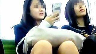 【盗撮動画】女子学生タイプのKからJKタイプのKまで100パー抜けるパンチラ百景♪