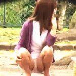 【盗撮動画】公園で子供をあやしながら女子バナしてるヤンママたちの不倫OKそうなパンチラ♪