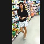 【盗撮動画】私服JKっぽい女の子が破廉恥Tバックを喰い込ませて大人の女性をアピール♪