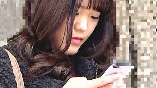 【盗撮動画】メリハリのある美脚と美貌が業師の目に留まって破廉恥な痴漢被害に遭ったお嬢様♪