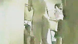 【盗撮動画】あん時の推定Cちゃんたちの修学旅行脱衣所模様を隠し撮りしてた宿のご主人♪