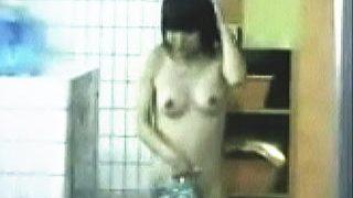 【盗撮動画】某研修センターの女風呂の周辺は合宿中の女子学生たちを狙う撮り師たちで一杯♪