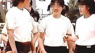 【盗撮動画】ブルマ女子学生を気兼ねなく視姦できてお触りまでできあの当時の男教師は勝ち組♪