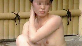 【盗撮動画】覗き対策がザルなのに温泉好きのスッピン淑女たちで賑ってるいつもの露天風呂♪