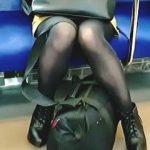 【盗撮動画】電車内でターゲットを選定し降りた駅のエスカレーターで隠し撮りを繰り返すヤツ♪