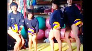 【盗撮動画】部活女子校生たちの痛いおふざけ動画でもオジサンたちには十分なオカズです♪