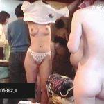 【盗撮動画】混み合ってる脱衣所の体重計に仕込まれた隠しカメラで撮られた淑女たち♪
