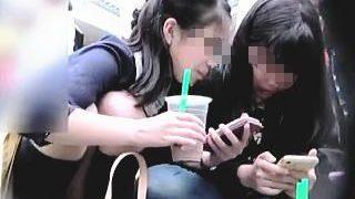 【盗撮動画】この年代にしか醸し出せない清純な少女たちの無垢なパンチラは貴重なオカズです♪