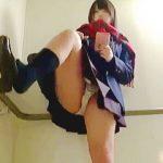 【盗撮動画】ウブで可愛い放課後女子校生のパンチラ裏バイトはハイリスク・ローリターン♪