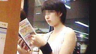 【盗撮動画】胸チラもいいけど女子たちの素顔だけで昇天してしまうボクは変態ですか♪