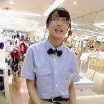 【盗撮動画】子供服で有名なアノ店の店員さんの制服ロングスカートにカメラをぶち込んでみた♪