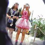 【盗撮動画】スカウト願望丸出しのミニスカ少女に寄ってくるのはパンチラ目当ての撮り師だけ♪