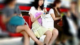 【盗撮動画】定番の駅を撮り場に多彩なジャンルの女子たちのパンティを強制スカメク撮り♪