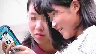 【盗撮動画】デニパンとデニスカ穿いたJCたちの甘酸っぱい香りが鼻を突く蒸れパンチラ隠し撮り♪