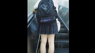 【盗撮動画】まだ垢のついてないガチな女子校生たちのパンチラにこそロマンを感じる今日この頃♪