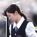 【盗撮動画】デパートの紳士服売り場で働く制服店員さんたちがパンチラ裏サービスで静かに接客中♪