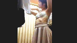 【盗撮動画】更衣室にカメラ仕込んでバイトJDの着替えを隠し撮りしてヌキまくってる変態店長♪